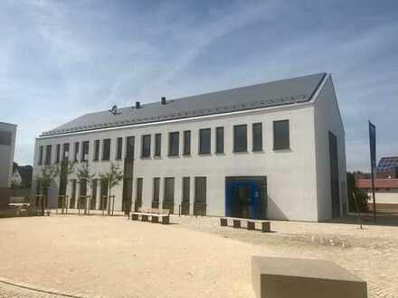 NEUBAU Erstbezug: Repräsentative Gewerbeeinheit als Büro-/Praxisräume zu vermieten
