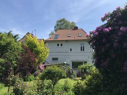 Stilvolle Stadtvilla mit traumhaftem Garten! Familienidyll oder repräsentativer Firmensitz!