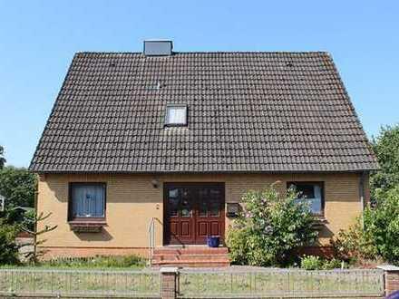 Achtung, bei Reinfeld, freistehendes Haus in Sackgasse, toller Garten, nur 299.000.- Euro