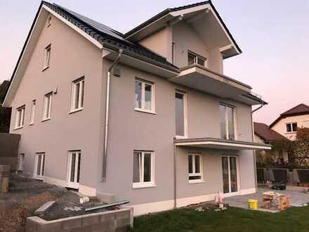 Schöne, geräumige drei Zimmer Wohnung in Miltenberg (Kreis), Obernburg am Main