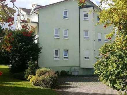 Schöne 4-Raum-Wohnung mit EBK und Balkon in Walldürn