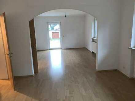 Freundliches und saniertes 5-Zimmer-Einfamilienhaus zur Miete in Allersberg, Allersberg