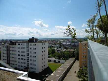 Hochwertige, großzügige Penthouse-Wohnung mit herrlichem Ausblick