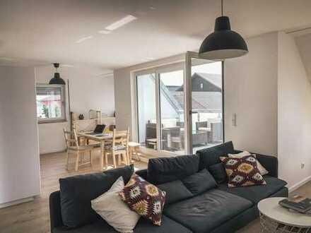 Sehr Helle & Freundliche 3-Zimmer-Wohnung mit Dachterasse und EBK in Wörth an der Isar