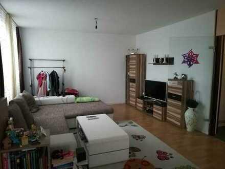 Darmstadt: Große, sehr gepflegte 87 m2 Whg. *Loggia *TG-Stellplatz