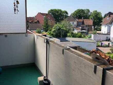 Sonnige und gemütliche 4-Zimmer-Dachwohnung mit Balkon in Mühlheim am Main