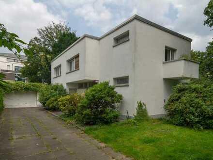 Denkmalgeschütztes Zweifamilienhaus im Kölner Westen