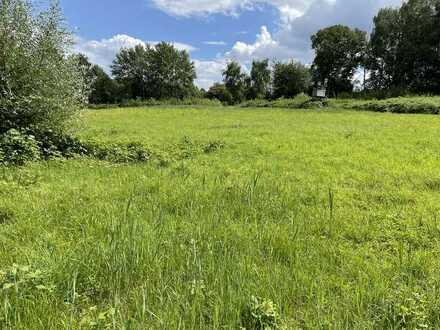 2,75 ha Landwirtschaftsfläche, Wiesen und Waldfläche im Landschaftsschutzgebiet zu verkaufen