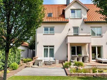 Exklusives freistehendes Einfamilienhaus in ruhiger Lage von Mannheim-Straßenheim