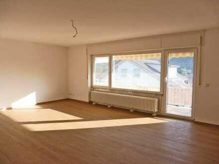 6166 - Sanierte 4-Zimmerwohnung mit Balkon und Gartenmitbenutzung!