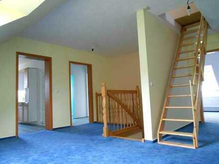 Gepflegte 4-Zimmer Dachgeschosswohnung mit Balkon in Strausberg