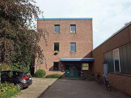 westimmobilien: Helle und moderne Büroetage im Schenefelder Industriegebiet