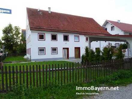 Ehemaliges Bauernhaus mit Garten und Carport in Tussenhausen