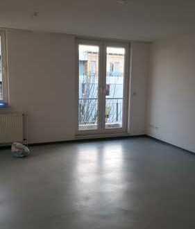 3,5 Raum-Wohnung mit Balkon Nähe U35 - WG-geeignet!