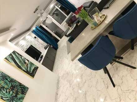 Exklusive, sanierte 3-Zimmer-Wohnung mit Balkon und Einbauküche in Stadtbergen