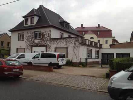 Neuwertige 2-Zimmer-EG-Wohnung mit Einbauküche in Rochlitz