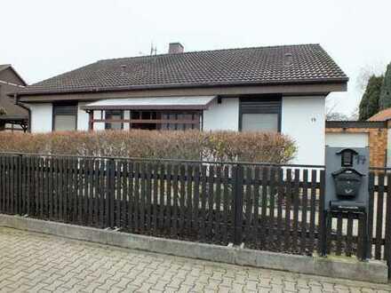 Großzügiges Einfamilienhaus in ruhiger Wohnstraße