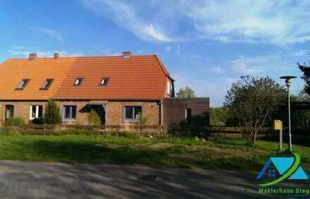 + Maklerhaus Stegemann + geräumiges Wohnhaus in der Feldberger Seenlandschaft