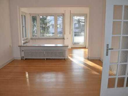 Sehr schöne lichtdurchflutete 3,5-Zimmer EG-Wohnung mit Balkon und EBK in Mannheim