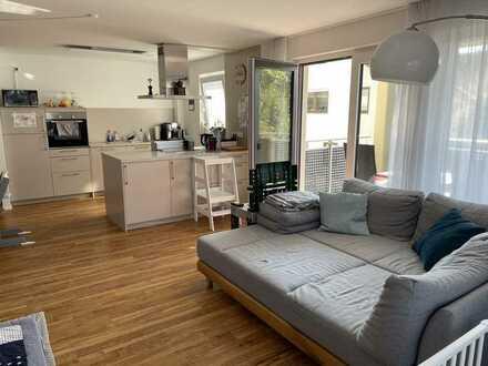 Moderne Wohnung mit Aufzug im 1.OG mit Balkon und Küche - befristet für 2 Jahre zu mieten!