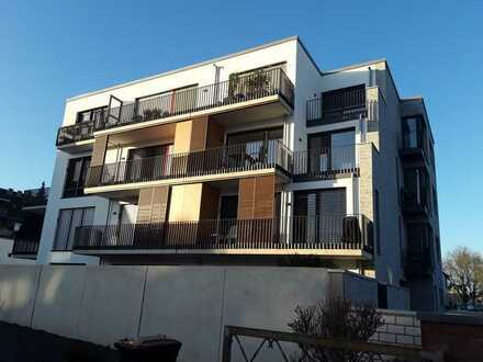 Gehobene helle Dachgeschosswohnung mit Loggia und Balkon