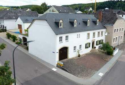 1.500 €, 270 m², 9 Zimmer