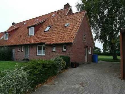 Frisch renovierte Doppelhaushälfte in Wöhrden zu vermieten