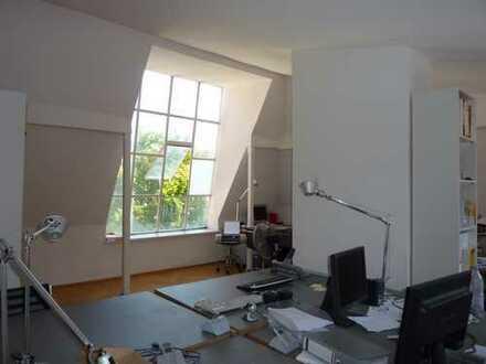 Atelier/Büro mit Charme im stilvollem Altbau
