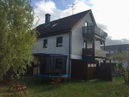 2,5-Zimmer-Wohnung mit Terrasse und PKW-(Außen-)Stellplatz in zentrumsnaher Lage von Magstadt!