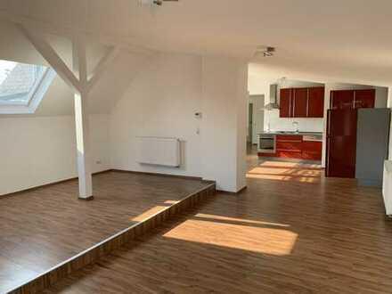 3,5-Zimmer Wohnung mit EBK und großem Garten in Eislingen/Fils (zentral gelegen). sofort bezugsfrei