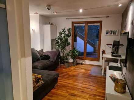Neuwertige, gemütliche 2 Zimmer-Maisonette-Wohnung mit Balkon in Stuttgart