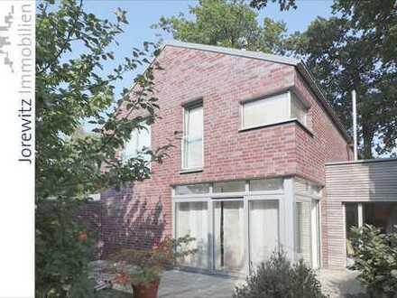 Modernes Einfamilienhaus mit Gartengrundstück in Gütersloh-Isselhorst