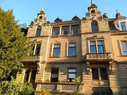 Stilvolle Altbauwohnung, hochwertig renoviert, in ruhiger zentrumsnaher Lage