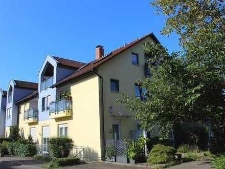 Großzügige 4,5-Zimmer-Dachgeschosswohnung mit zwei Balkonen in beliebter Lage in Dossenheim