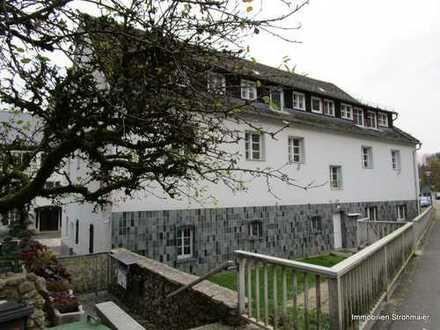 Renoviertes Mehrfamilienhaus mit 6 Wohnungen in Bahnhofsnähe