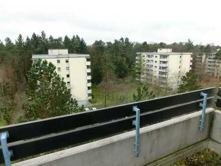 WALDSTADT VON PRIVAT: 5,5-Zimmer-Penthouse mit Dachterrasse, sofort bezugsfrei in ruhiger Sackgasse