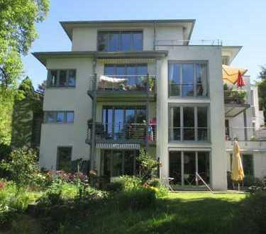 Bezugsfreie, moderne und helle Eigentumswohnung in bester Ruhiglage von Bonn-Oberkassel !!!