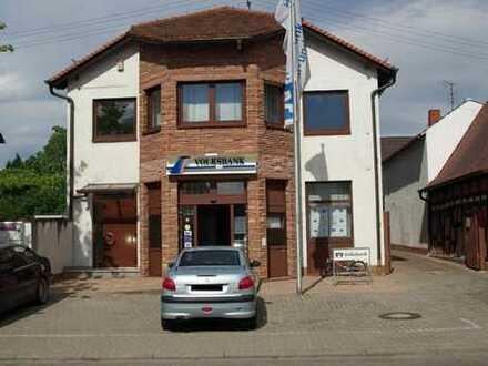 Bürogebäude mitten im Zentrum von Böhl