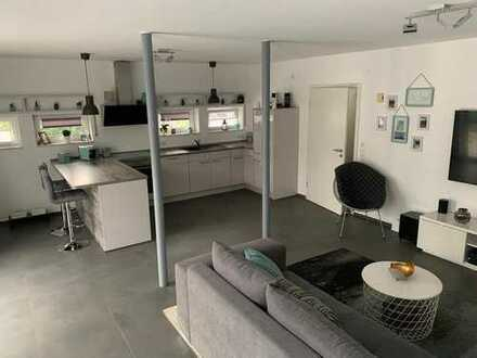 Sanierte Büro-, Praxis- oder Atelier-Räume auf zwei Ebenen