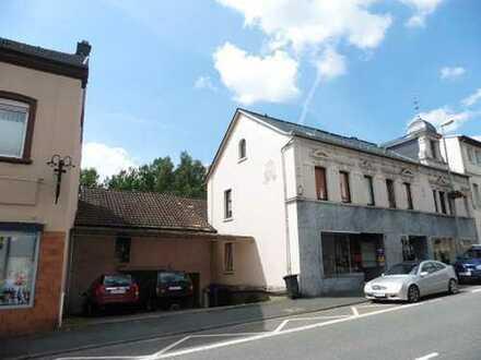 """""""RENDITEOBJEKT"""" Wohn-und Geschäftshaus mit angrenzender Scheune (Ausbaureserve) in 1A Stadtlage (B8)"""