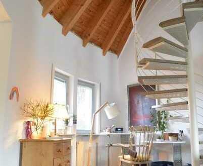 Direkt am Stadtwald .... Individuelle Galerie Wohnung mit Blick in´s Grüne. ..