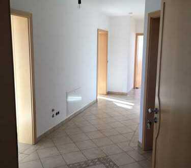 Gepflegte 3-Zimmer-Wohnung mit Balkon und EBK in Mammendorf