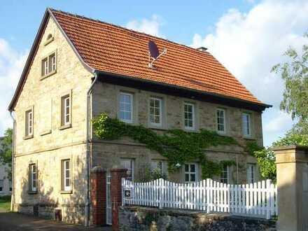 Schönes Landhaus mit fünf Zimmern, Terrasse und Garten in Alzey-Worms (Kreis), Bechenheim