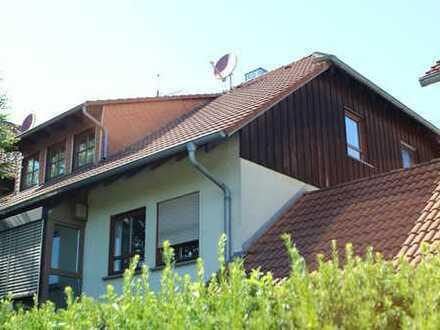 Schöne 3-Zimmer-DG-Wohnung mit Einbauküche in Lauda-Königshofen