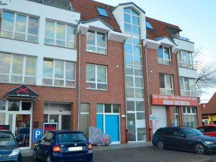 SOFORT verfügbare große Verkaufs- und Bürofläche im Wohn- und Geschäftshaus in Kaulsdorf