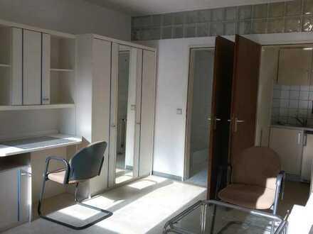 Möblierte 1-Zimmerwohnung nur an Studenten oder Wochenendheimfahrer, ohne Waschmaschinenanschluß