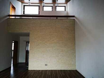 Lichtdurchflutete 4,5-Zimmer-Maisonette-Wohnung mit 2 Balkonen und Einbauküche in Schwäbisch Hall