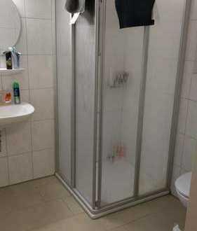 Nahe Universität - möbliertes Zimmer für Studenten, mit Küche/Bad