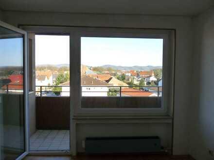 Ansprechende 1-Zimmer-Wohnung mit Balkon und Abstellplatz in Lampertheim-Hüttenfeld