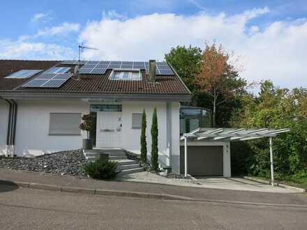 Familientaugliche, moderne Doppelhaushälfte mit Einliegerwohnung in Talheim